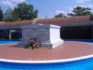 MLK Jr Tomb