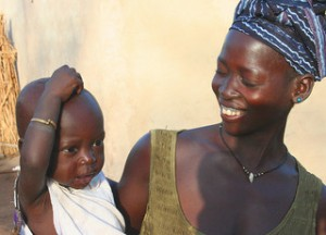 African-Mother-and-Child-Mishimoto-CC-Flickr
