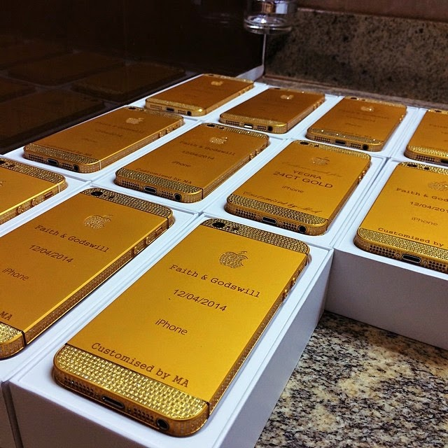 Customized IPhones given as Thank you gifts to the guests