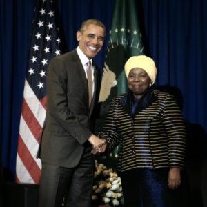 Obama shaking hands with Zuma at AU